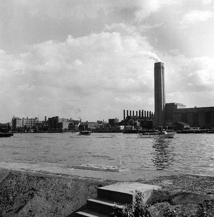 Bankside Power Station; 1952