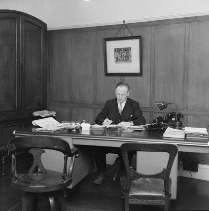 The superintendent at Billingsgate Market: 1958