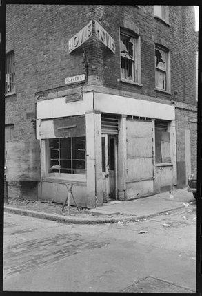 Derelict corner shop: 1977