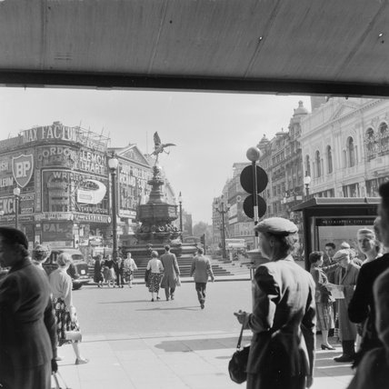 Piccadilly Circus; 1957