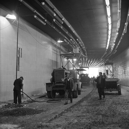 Building the Hyde Park Corner Underpass; 1962