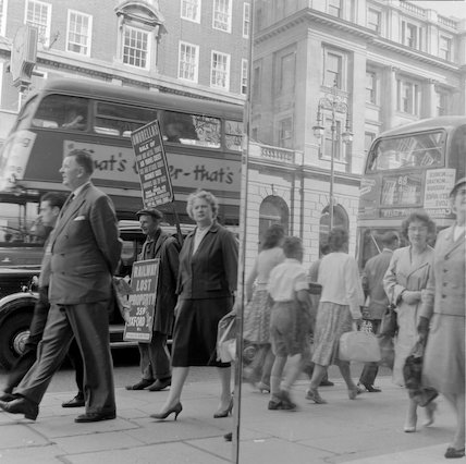 Shoppers on Oxford Street, Septmeber 1960