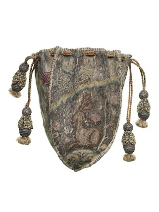 Small purse made of four shield-shaped panels; 1660-1700