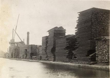 H. Dussek. Glengall Wharf c.1915-1925