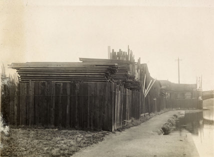Nelson Wharf on the Surrey Canal - 1915-1925