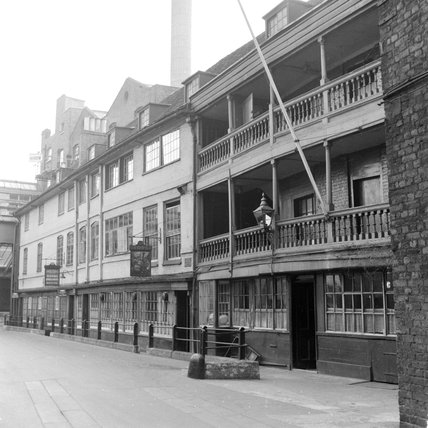 The George Inn, Southwark c.1955