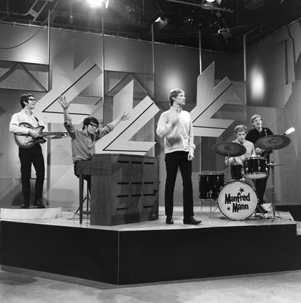 Manfred Man performing on Ready Steady go; 1964