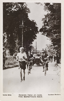 Dorando (Italy), en route. The Marathon Race