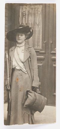 Photograph of the Suffragette Dorothy Louise Meihe¨ ;1908-1911
