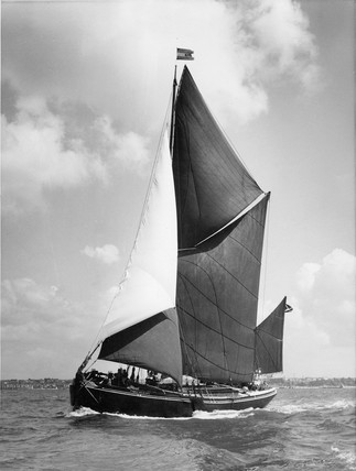 Sailing Barge: 1965