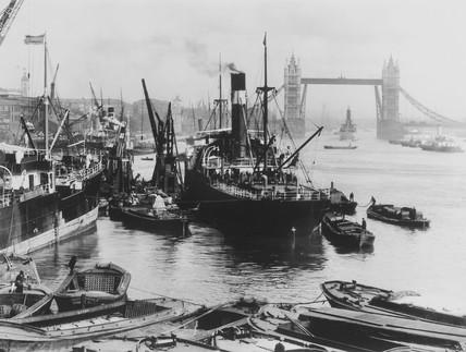 Upper Pool of the Thames c.1910