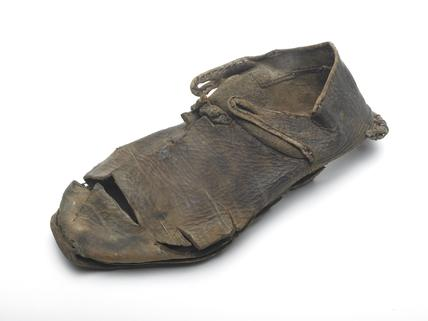 Brown leather shoe: mid 14th century