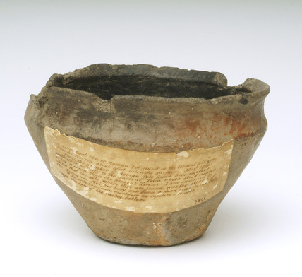 Ceramic bowl: late bronze-age