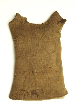 Child's knitted undershirt: 16th century