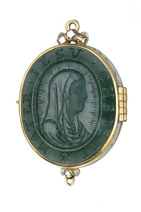 Bloodstone reliquary pendant: 16th-17th century
