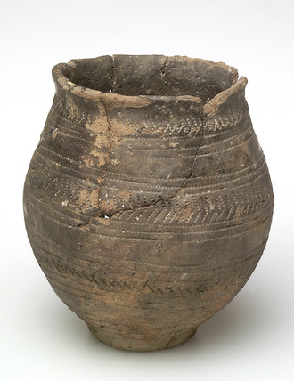 Early bronze-age ceramic beaker