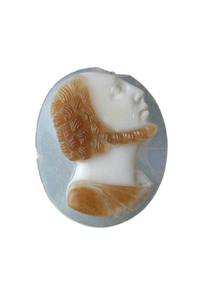 Cameo decorated with a bearded man facing left: 16th-17th century