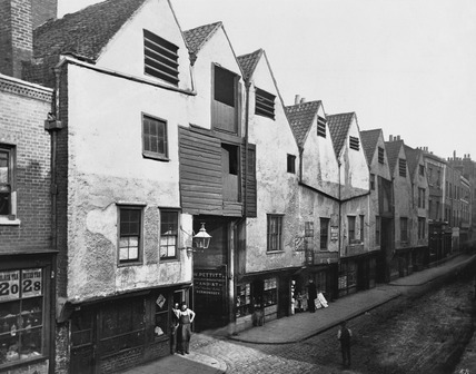 Old houses in Bermondsey Street: c.1880
