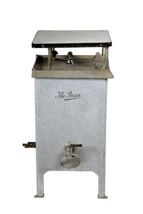 Gas washing machine: 20th century