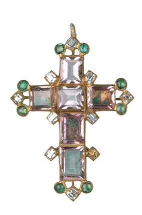Gold pendant cross set with diamond and emeralds: 16th-17th century