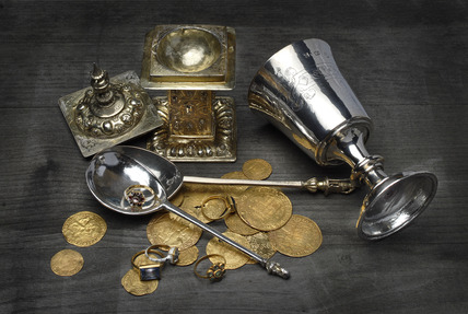 Selection of silver and gold objects and coins: 16th- 17th century