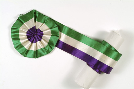 Suffragettes' ribbon in the shape of a rosette: 1905-1914