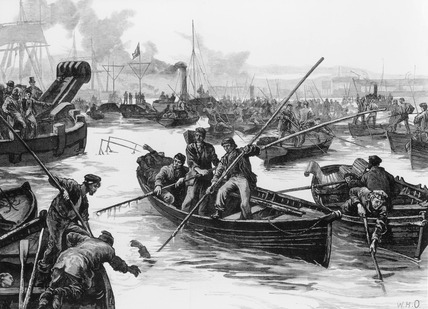 Recovering bodies from the Thames after the Princess Alice Disaster: 19th century