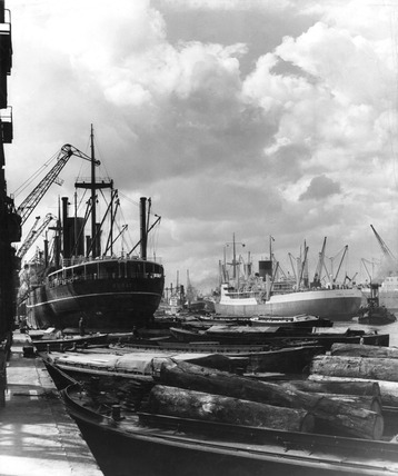 SS Surat, King George V Docks: 20th century