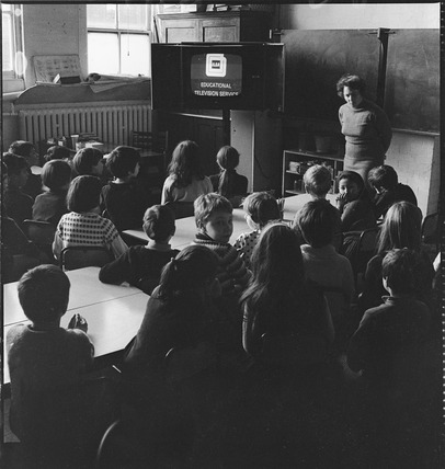 A French lesson television broadcast, Canonbury Primary School:1969