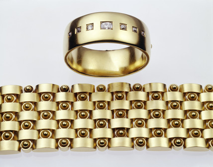 Gold bangle and bracelet: 19th century