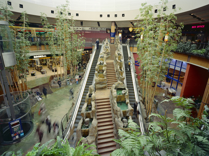 Interior of O2 Shopping Centre: 2000