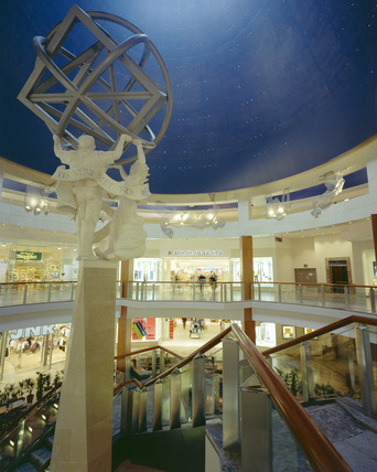 Interior of Bluewater Shopping Centre: 2000