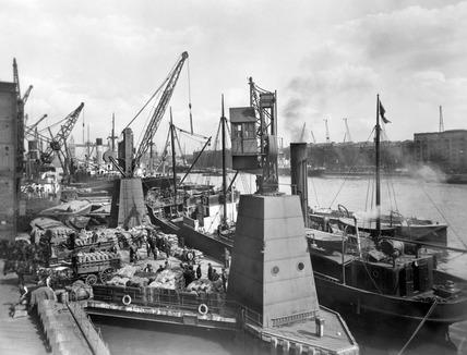 Fresh Wharf London Bridge: 20th century