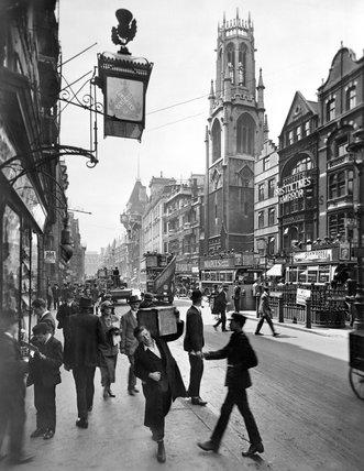 Street scene, Fleet Street: 20th century