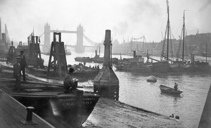 River Thames at Billingsgate Fish Market jetty: 20th century