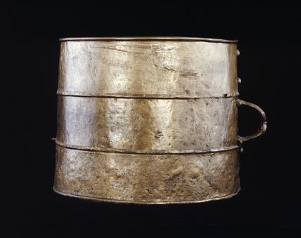Iron Age bronze tankard: 100 BC - AD 43