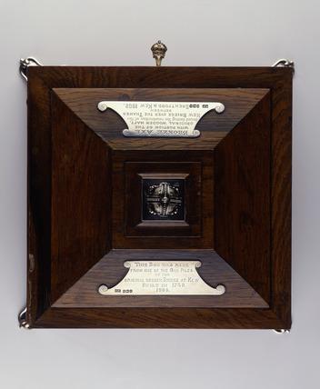 Presentation boxfor socketed axe: 1903
