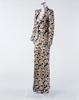 Printed cotton trouser suit: 20th century