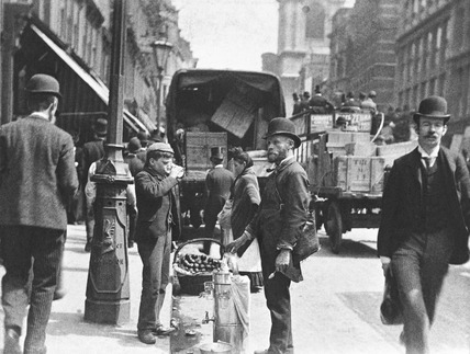 A street vendor in the City: 1893