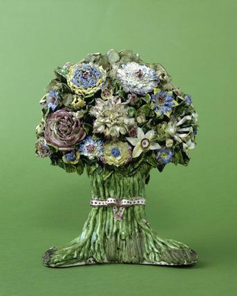 Porcelain flowers: 18th century