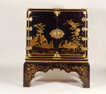 Lacquered cabinet with Japanned decoration: 17th-18th century
