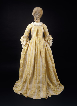 Dress, robe and matching underskirt, back view: 18th century
