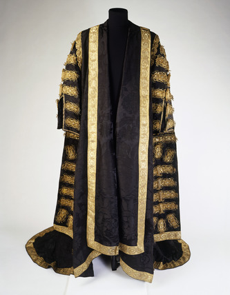 Robe of black brocade: 19th century