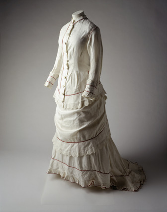 White muslin dress: 19th century