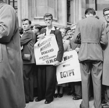 Demonstrators outside Parliament: 1956