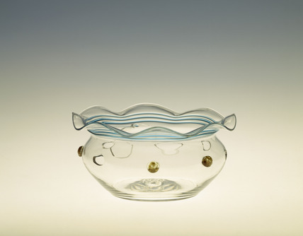 Finger bowl in clear glass and wavy rim: 1878