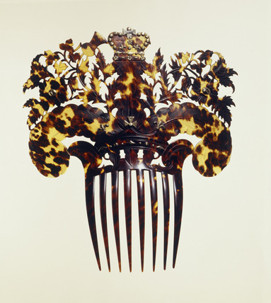 Commemorative hair-comb: 19th century