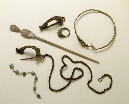 Selection of Roman jewellery