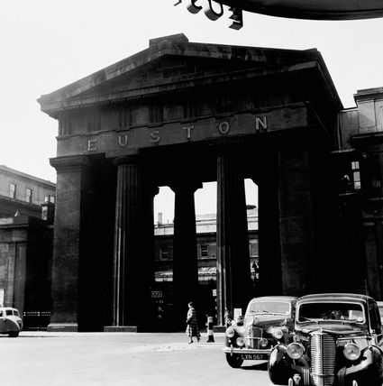 Euston Station: 1952