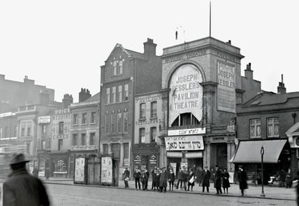 New Pavilion Theatre, Whitechapel: c.1905